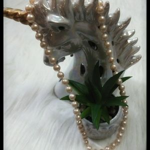 Jewelry - Vintage Creamy Pearl Necklace